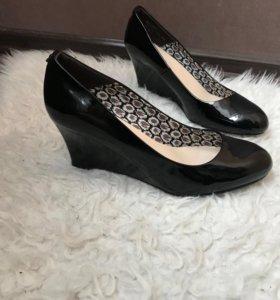 Туфли на платформе р.40