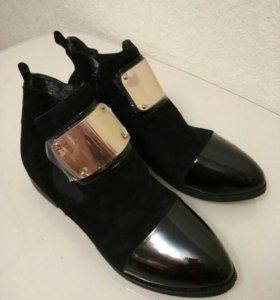 Ботинки новые 41-42