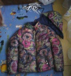 Продам осень-весна куртку для девочки