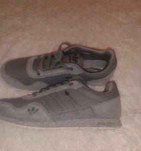 Кроссовки Adidas р.43