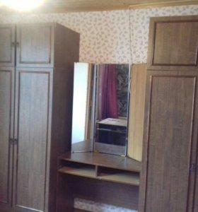 Шкафы и туалетный столик