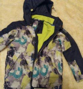 Куртка на мальчика 146