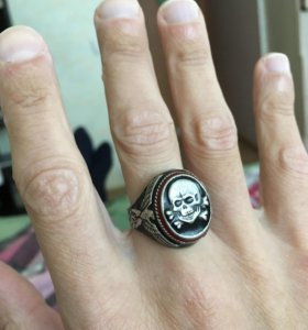 Перстень серебро.