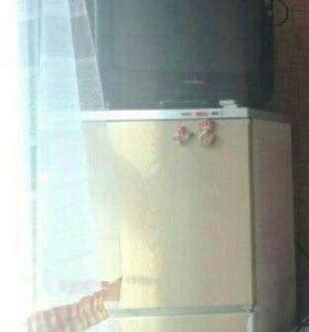 Холодильник и тв
