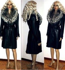Пальто с мехом 42-44 енот, чернобурка