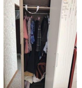 Шкаф трёхдверный (шифоньер)