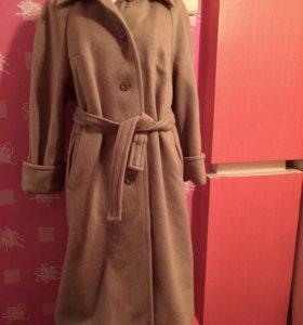 Пальто шерстяное 50 размер
