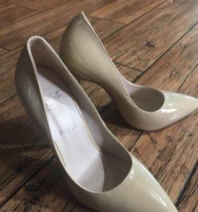 Женские туфлт