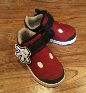 Кеды adidas Disney
