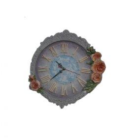 Часы в дизайнерском оформлении