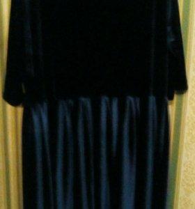 Платье из тёмно-синего бархата