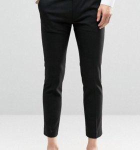 Черные укороченные облегающие брюки