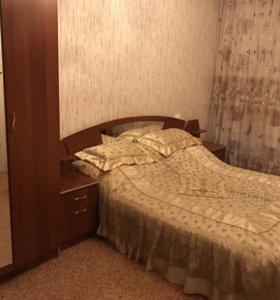 Спальный гарнитур и тумба под тв