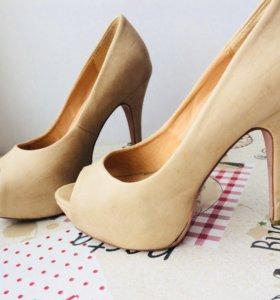 Бежевые туфли натур.кожа