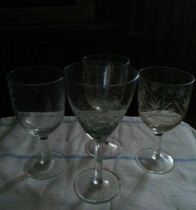 4 разных бокала