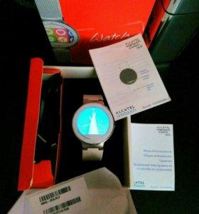 Умные часы Alcatel OneTouch белые
