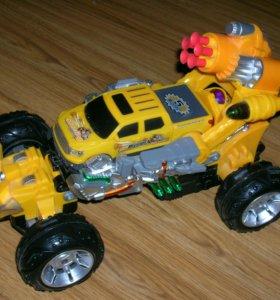 Машина-трансформер на пульте