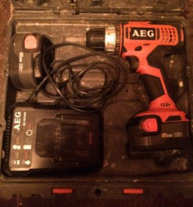 Аккумуляторный шуруповёрт AEG