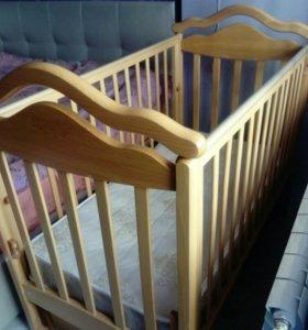 Детская кроватка + комод с пеленальным столиком