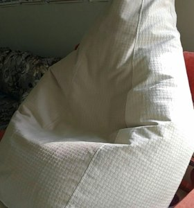 Кресло- груша из велюра.