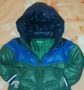Теплая куртка Benetton,состав 50 %пера и 50%пуха