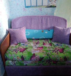 Детский раздвижной диван-кровать.