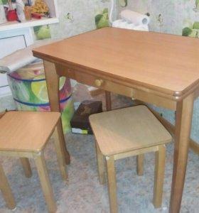 Стол трансформер + 3 табурета