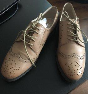 Новые ботинки Moda Donna