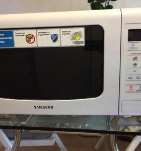 Микроволновая печь Samsung ME 833KR