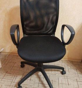 Офисный стул.