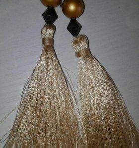 Серьги-кисточки