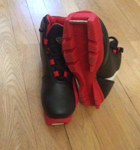 Ботинки лыжные р.32