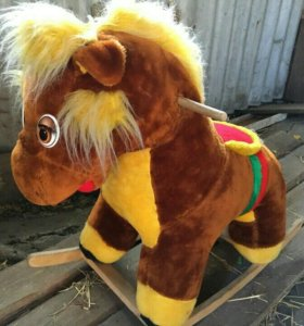 Детская качалка-лошадка