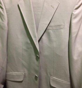 Костюм (пиджак и брюки) светлый новый