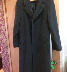Продаётся пальто мужское