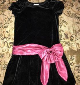 Платье нарядное на девочку 104