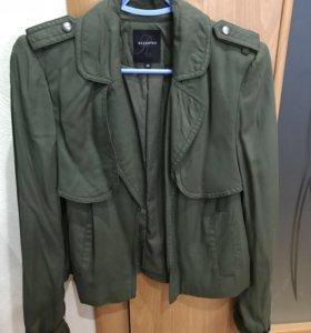 Новый женский пиджак (накидка) Reserved