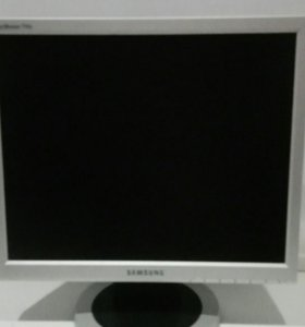 Монитор Samsung 17 дюймов торг