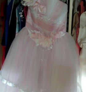 Платье на девочку 7-10 лет