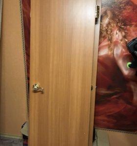 Двери межкомнатные б/у