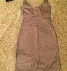 Платье М размер