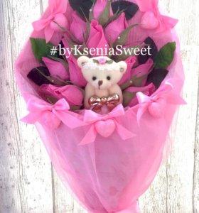 Букет из конфет с Рафаэлло в бутонах роз