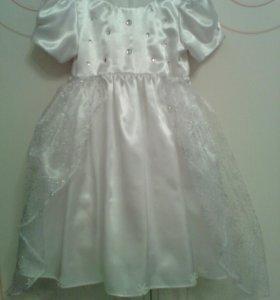 Платье белое. Снежинка.
