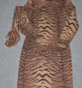 Женское платье р. 44 M