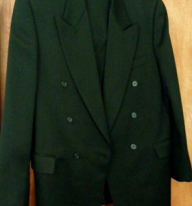 Продам мужской костюм от фирмы Rico Ponti