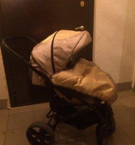 Детская прогулочная коляска .