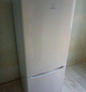 Холодильник indesit SB 15040 новый