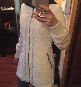 Куртка с вязанным капюшоном