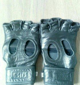 Перчатки по MMA