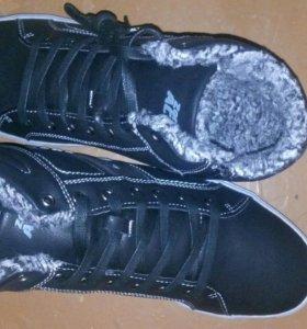 Зимние ботинки.43 размер